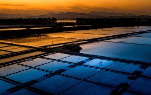 Jiongzhang,-Huang---China-(dayangclub84@163.com)---Salt-Workers-At-Sunset
