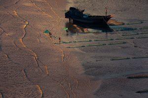 Ziyan,-Li---China-(dayangclub97@163.com)---Life-Of-People-By-The-Sea10