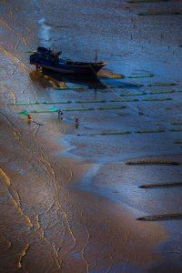 Ziyan,-Li---China-(dayangclub97@163.com)---Life-Of-People-By-The-Sea9